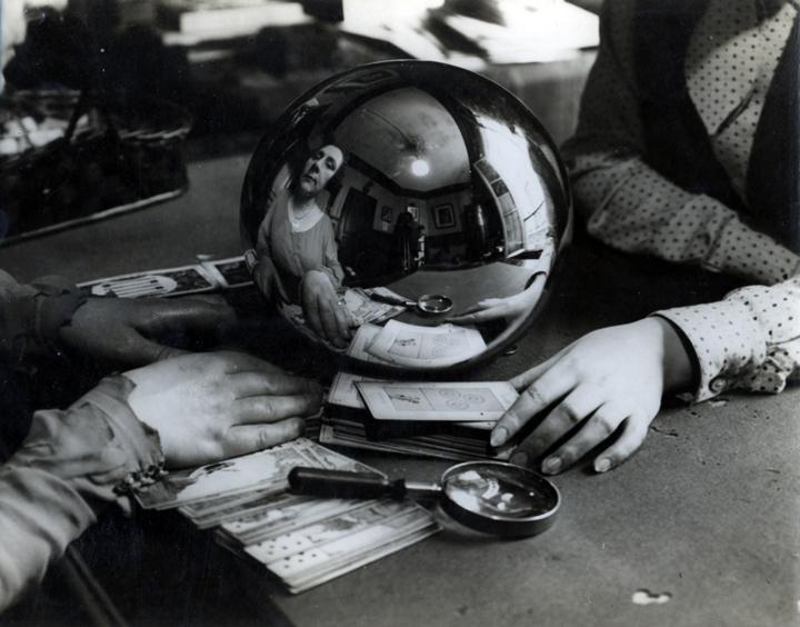 Kertesz fortune teller 1930