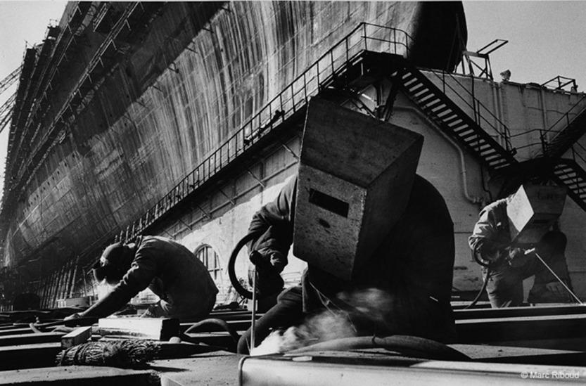 """France 1959. Construction du paquebot """"FRANCE"""". St Nazaire."""